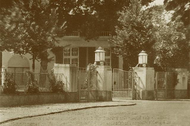 Kareol - Ingang aan de Van Lennepweg met hek